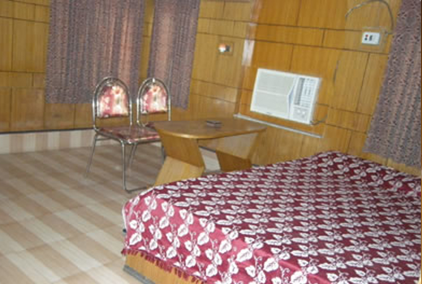 Double Beded AC room (DLX)