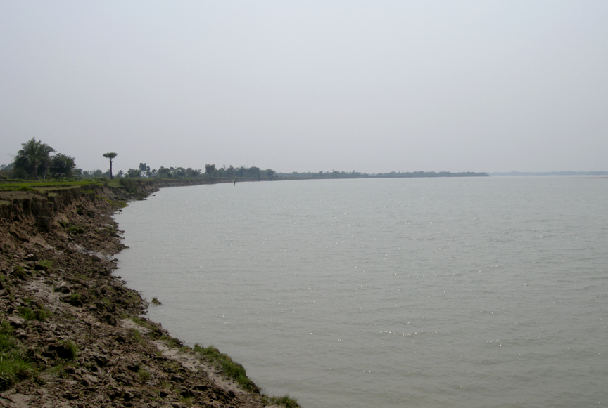 Left bank of Rupnarayan